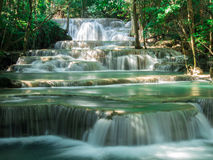 Waterval in Huay Mae Khamin National Park Royalty-vrije Stock Foto
