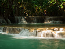 Waterval in Huay Mae Khamin National Park Royalty-vrije Stock Afbeelding