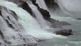 Waterval in IJsland stock video