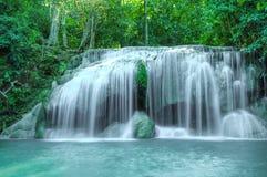 Waterval in Kanchanaburi, Thailand. Stock Afbeelding