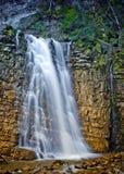 Waterval in Karpatische berg, de Oekraïne Stock Afbeelding