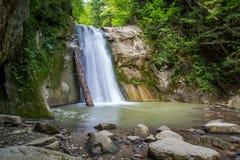 Waterval in lange blootstelling Royalty-vrije Stock Foto's