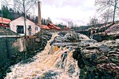 Waterval meeslepende rivieren royalty-vrije stock foto