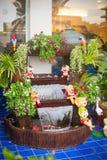 Waterval met kleine beeldjes Stock Foto's