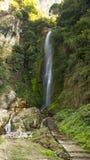 Waterval op de manier aan Annaourna circuite tal Nepal stock fotografie