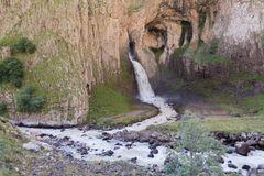 Waterval op de rivier Malka Stock Afbeeldingen