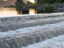 Waterval op het reservoir Stock Foto