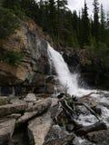 Waterval op verscheidene niveaus in Jasper National Park Stock Fotografie