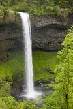 Waterval in Oregon royalty-vrije stock afbeeldingen