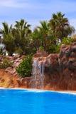 Waterval in park bij de Kanarie van Tenerife Royalty-vrije Stock Foto's