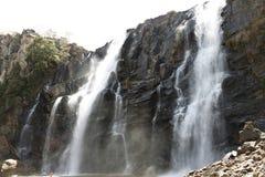 Waterval Pirenopolis - Goias - Brazilië Royalty-vrije Stock Fotografie