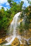 Waterval in Soroa, een Cubaans toeristisch oriëntatiepunt royalty-vrije stock afbeelding