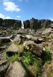 Waterval in Thingvellir, IJsland Royalty-vrije Stock Foto's