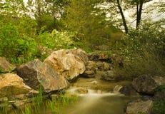 Waterval in tuin Stock Foto's