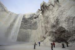 Waterval van ijs en water in IJsland Stock Foto