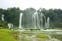 Waterval in Vietnam Stock Foto