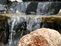 Waterval, water, de stenen, stenen in het water stock foto's