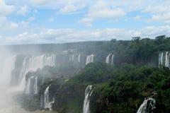 Waterval in wildernis stock afbeeldingen