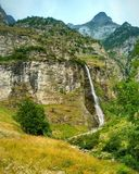 Waterval in Zwitserland Stock Afbeelding