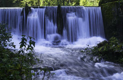 Watervallen, ÄŒogrljevo meer, Kroatië Stock Foto's