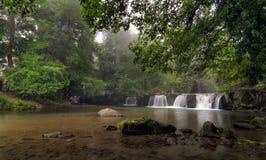 Watervallen in de mist Royalty-vrije Stock Afbeelding
