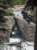 Watervallen door canion Stock Afbeeldingen