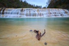 Watervallen in een ravijn Paternoy DE Esporret Stock Foto