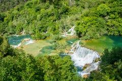 Watervallen en pools bij het nationale park van Krka royalty-vrije stock foto