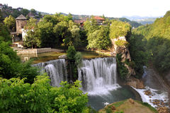 Watervallen in Jajce Stock Foto