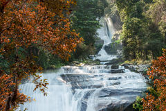 Watervallen tijdens de Herfst Royalty-vrije Stock Foto's
