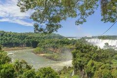 Watervallenlandschap bij Iguazu-Park Stock Afbeelding