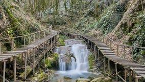 33 watervallentoevlucht in Sotchi Rusland Stock Afbeeldingen