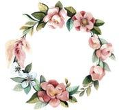 Waterverf bloemenkroon met magnolia's, groene bladeren en takken Stock Foto's