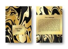 Waterverf gouden achtergrond met het effect van marmer Royalty-vrije Stock Afbeeldingen