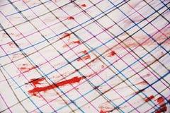 Waterverf rode vlekken en potloodlijnen, achtergrond Stock Foto