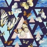 Waterverfdriehoeken met vlinder en marmeren grungetexturen vector illustratie