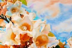 Waterverflandschap schilderen kleurrijk van Herald trompetbloemen Royalty-vrije Stock Afbeeldingen