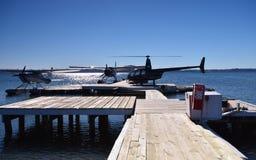 Watervliegtuig Robinson Helicopter Meer Rotorua Ergens in Nieuw Zeeland Royalty-vrije Stock Foto