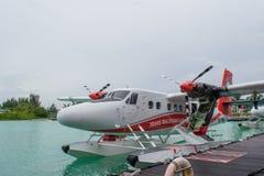 Watervliegtuig van trans Maldivian bedrijf van het Luchtroutesvervoer in de Maldiven stock afbeeldingen