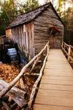 waterwheel rústico del molino del país Fotos de archivo