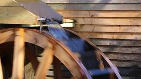 Waterwiel van Maalkorenmolen stock videobeelden