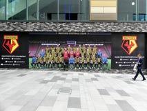 Watford-Fußball-Verein Ihr Foto mit intu Watford-Eigenschaftswand teilen lizenzfreie stockfotos