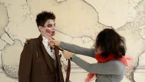Wath de zombi de couples dans les yeux clips vidéos