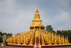 Watpasawangboon le temple de 500 pagodas d'or Image libre de droits