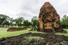 Watphrathai Dum altes Amphoe Mueang, Sakon Nakhon Lizenzfreies Stockbild