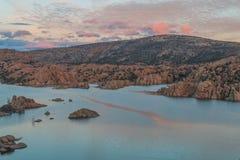 Watson Lake bij Zonsondergang Royalty-vrije Stock Foto