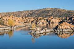 Watson Lake i höst Fotografering för Bildbyråer