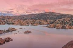 Watson Lake på Siunset Royaltyfri Fotografi