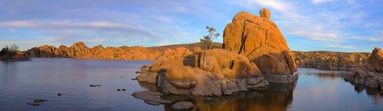 Watson Lake - panoramisch - große Datei (30MP) Lizenzfreie Stockfotografie