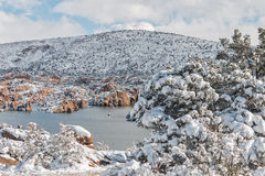 Watson Lake Prescott Arizona i vinter Arkivfoton